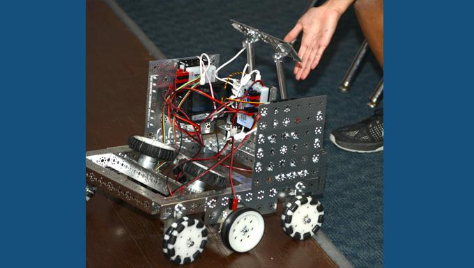 Desert robotics club engages Edwards Youth Center students